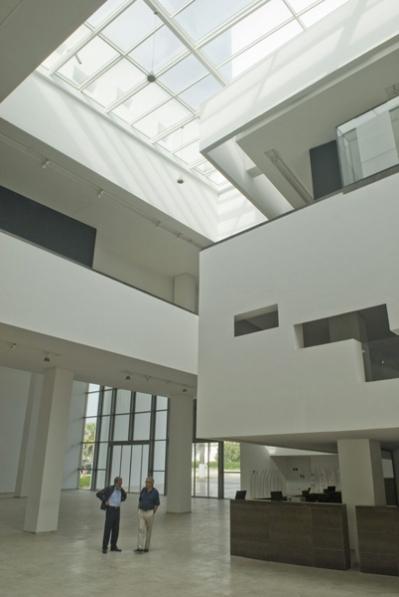 http://nouira-architecture.com/files/gimgs/th-14_INT-HALL-PRINCIPAL-06.jpg